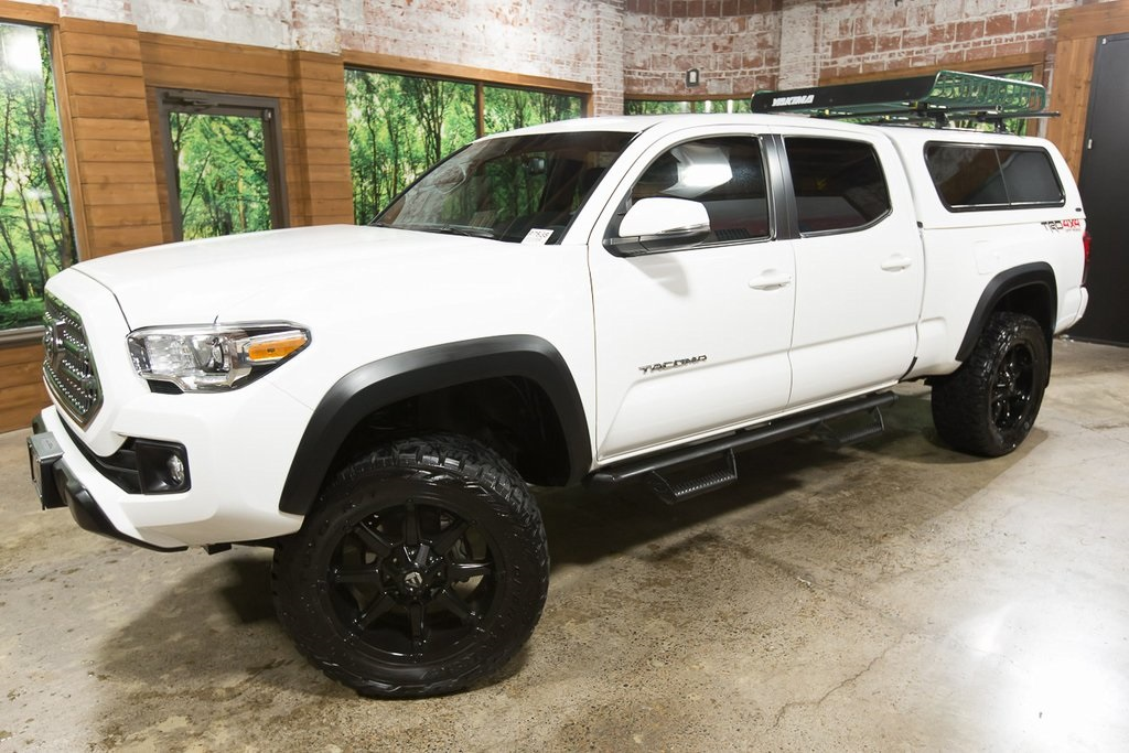 2017 Toyota Tacoma Lifted >> Pre Owned 2017 Toyota Tacoma Trd Offroad 4wd Lifted 20 In Wheels Canopy Tech Pkg