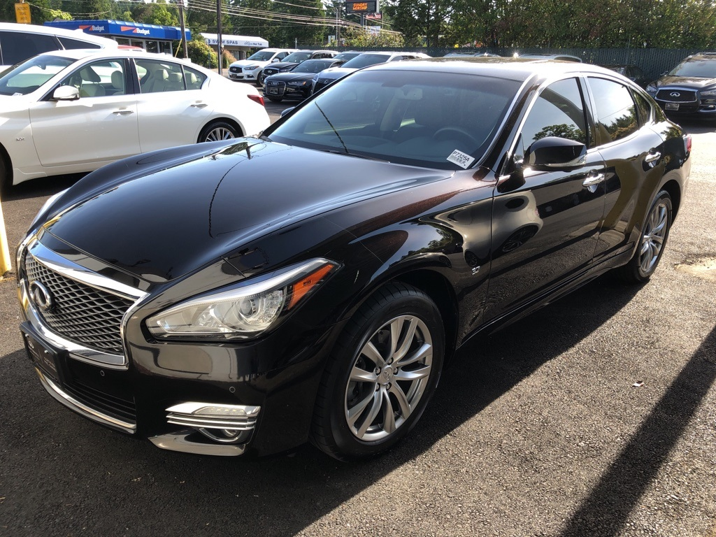 Certified Pre-Owned 2016 INFINITI Q70 3.7X AWD, Premium Package