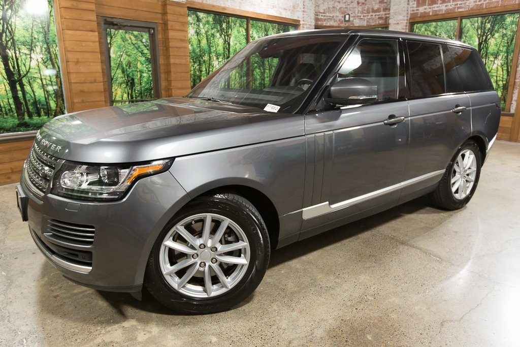 Pre-Owned 2017 Land Rover Range Rover 3.0L V6 Supercharged 4WD with Navigation, Panoramic Glass Roof