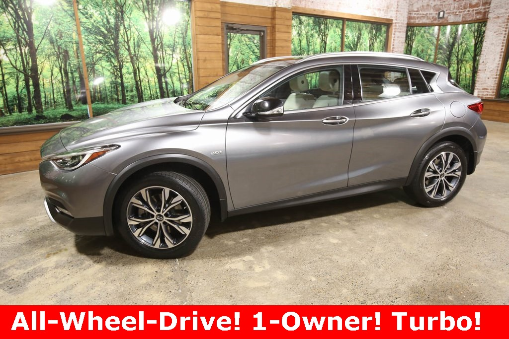 Certified Pre-Owned 2017 INFINITI QX30 Premium AWD, CERTIFIED, 1-Owner, Sunroof