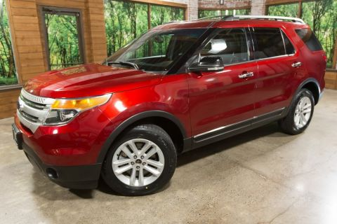 Pre-Owned 2014 Ford Explorer XLT AWD w/ Navigation, Leather Heated Seats, V6